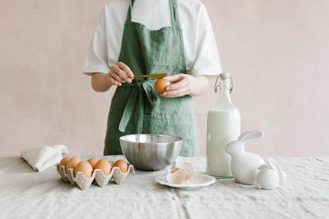 Préparation de la pâte à gaufres en cuisine